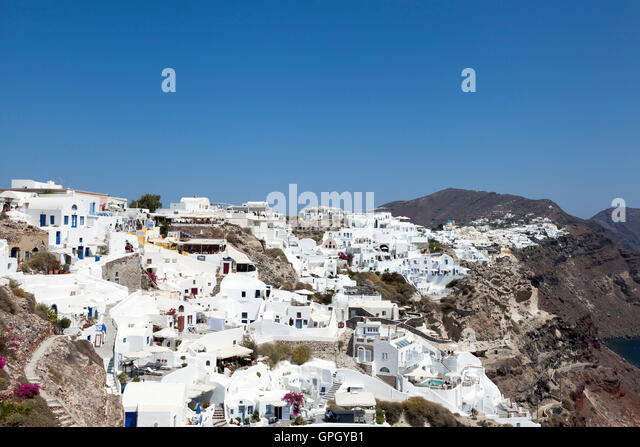 The busy and popular town of Oia, on the Greek island of Santorini - Stock Image