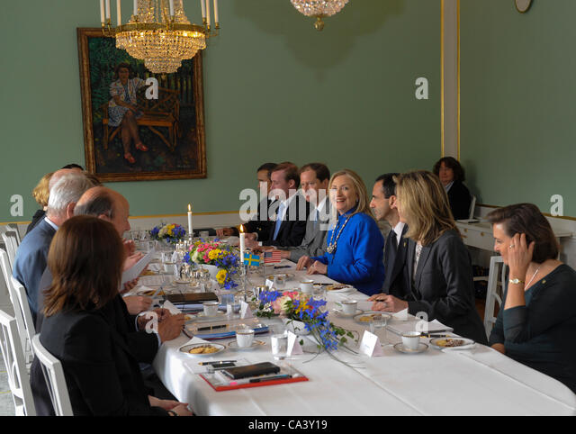 US Secretary of State Hillary Clinton meets Swedens Prime minister Fredrik Reinfeldt and Foreign Minister Carl Bildt, - Stock Image