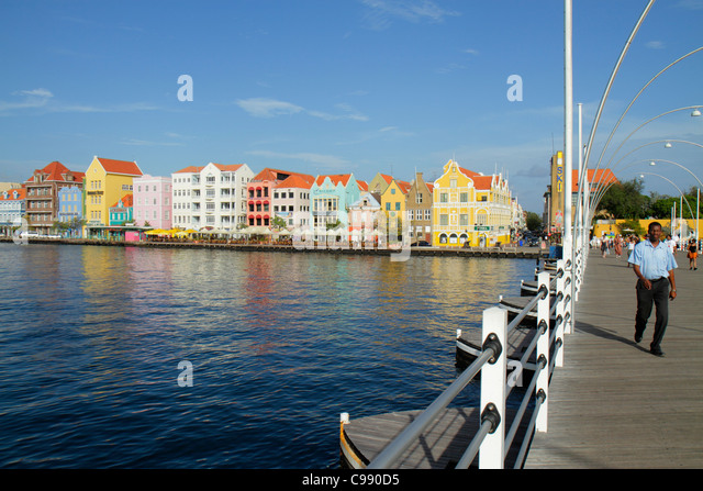 Curaçao Netherlands Antilles Dutch Willemstad Punda St. Saint Sint Anna Bay Handelskade waterfront UNESCO World - Stock Image
