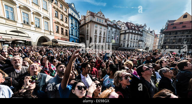 Crowd of people in front of the Old Town City Hall, historic buildings, Old Town Square, Prague, Czech Republic - Stock Image