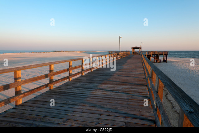 Gulf shore beach alabama stock photos gulf shore beach for Dauphin island fishing pier