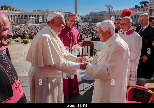 pope francis and benedict xvi meet the robinsons