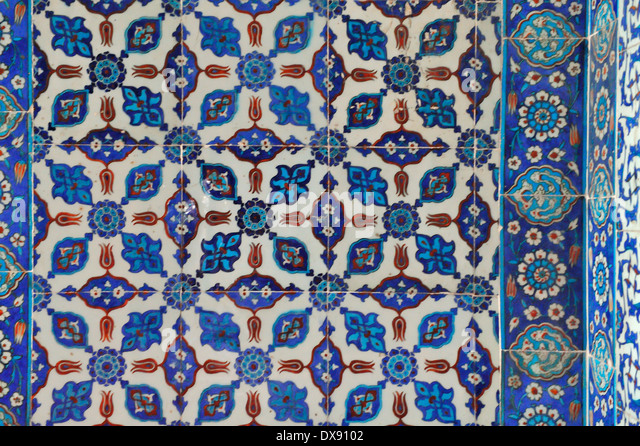 Iznik tile in the interior of the Rüstem Paşa Camii, Istanbul, Turkey 130910_30978 - Stock Image