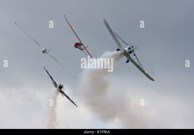 Gliders towing by Piper PA-25-235 Pawnee B at Farnborough International Airshow 2008 UK - Stock Image