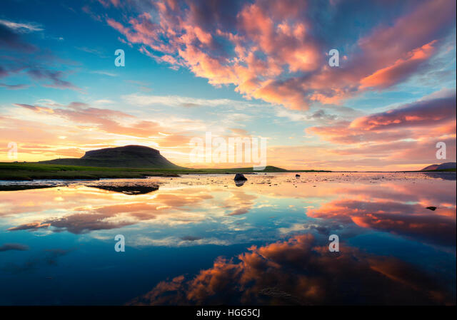Colorful summer sunset near Grundarfjordur town. Evening scene on the Snaefellsnes peninsula, Iceland, Europe. - Stock Image