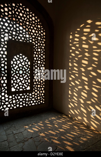 Window and shadows, Humayun's Tomb, New Delhi, India - Stock Image