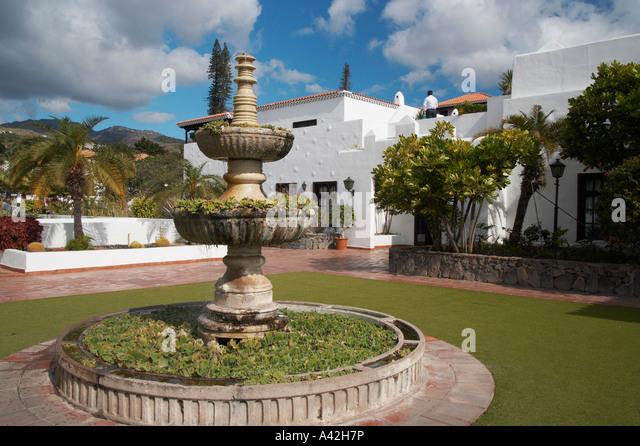 Tecina stock photos tecina stock images alamy for Hotel jardin tecina la gomera