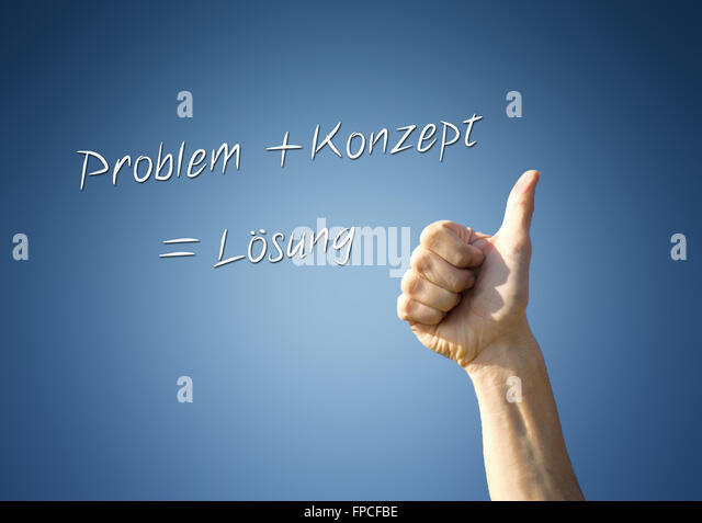 man giving a thumbs up gesture in front of a blue background with the german words Problem + Konzept = Lösung - Stock-Bilder