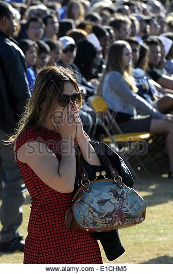 epa04228930 A student cries during a memorial event for the six UCSB students killed and 13 wounded in a shooting - Stock Image