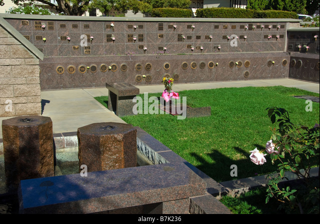 FAMOUS CEMETERIES OF THE UNITED STATES - Travels with Talek