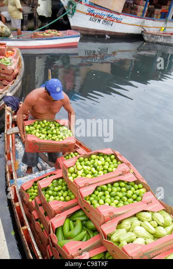 Curaçao Netherlands Antilles Dutch Willemstad Punda Shacaprileskade Floating Market Koningin Wilhelmina Brug - Stock Image