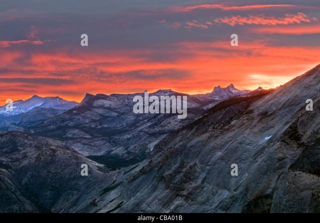 Sunrise over mountains in Yosemite National Park - California. - Stock Image