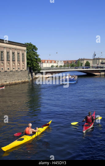 Denmark, Copenhagen, channel, excursion boat, tourist, canoes, no model release, town, city, capital, waterway, - Stock Image