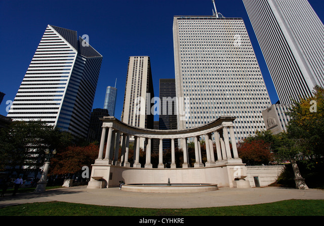 City skyline and Millennium Park, Chicago, Illinois, America - Stock Image