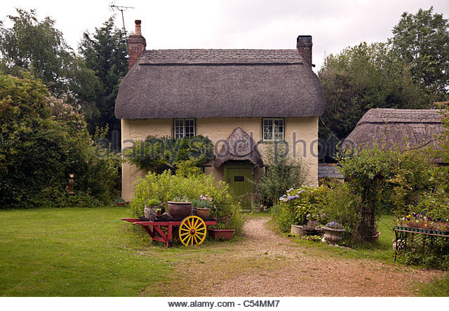 Cute thatched cottage stock photos cute thatched cottage stock images alamy - The thatched cottage ...