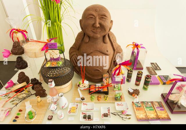 display-in-chocolate-shop-antwerp-flande