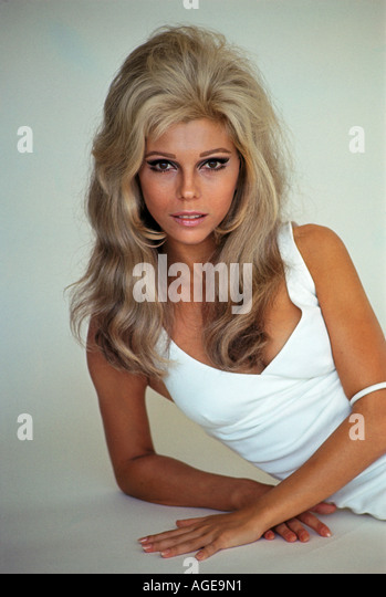 nancy sinatra stock photos nancy sinatra stock images alamy. Black Bedroom Furniture Sets. Home Design Ideas