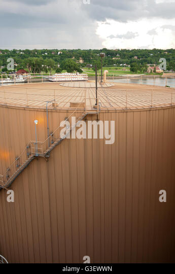 cooling tank for thermal storage of district energy system overlooking mississippi river in saint paul minnesota - Stock Image
