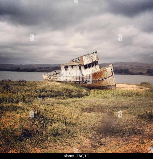 USA, California, Marin County, Old shipwreck - Stock-Bilder