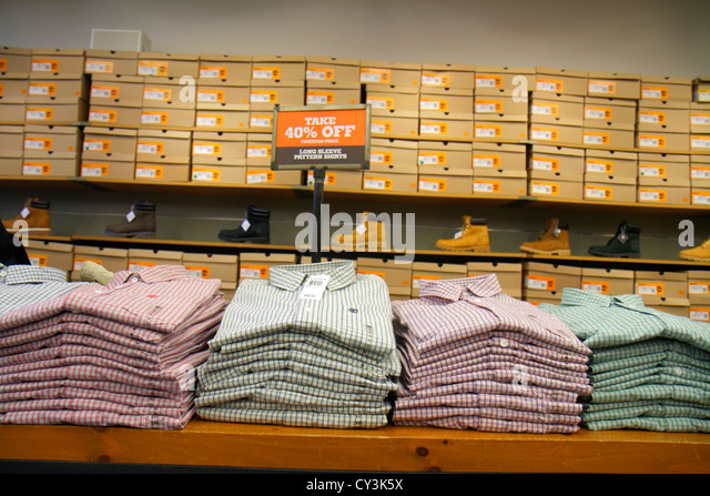 Maine Freeport Route 1 Main Street Timberland Factory Store outlet shopping clothing shoes fashion retail display - Stock Image