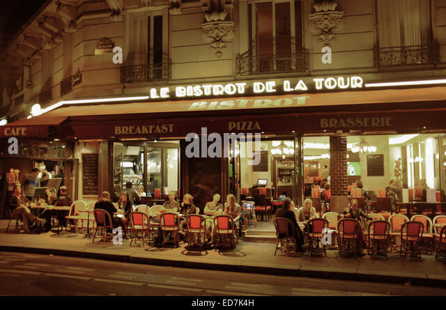 paris cafe eiffel tower stock photos paris cafe eiffel tower stock images alamy. Black Bedroom Furniture Sets. Home Design Ideas