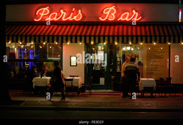 paris bar stock photos paris bar stock images alamy. Black Bedroom Furniture Sets. Home Design Ideas