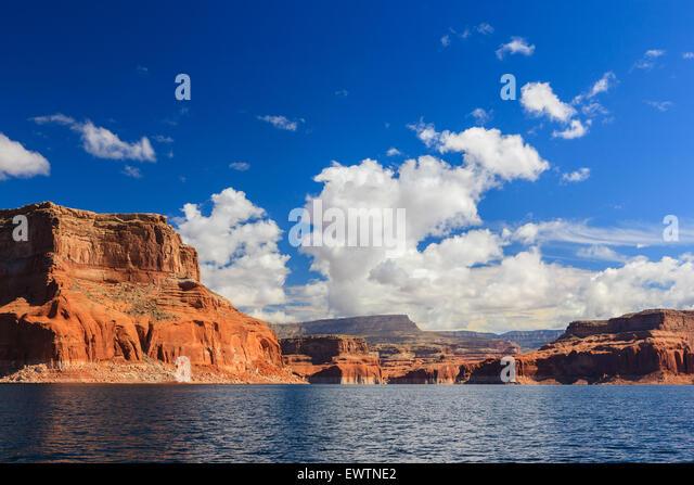 Canyon walls on Lake Powell on the border of Arizona and Utah, USA - Stock-Bilder