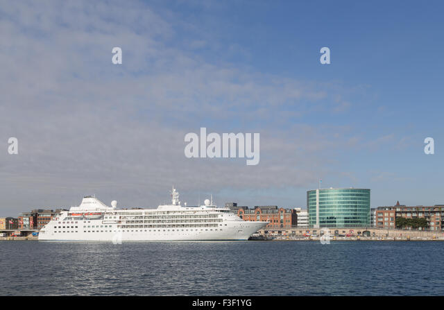 Cruise ship Copenhagen harbour - Stock Image