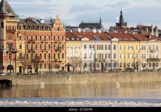 Across the River Vltava and the colourful baroque houses, Prague, Czech Republic, Europe - Stock-Bilder