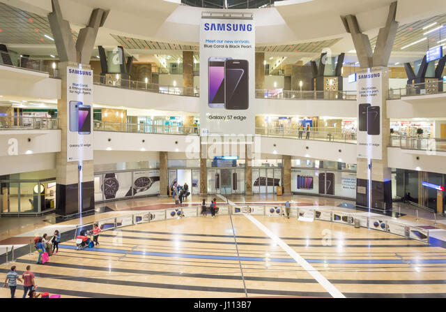 Arrivals Hall at OR Tambo International Airport, Johannesburg, Gauteng Province, Republic of South Africa - Stock-Bilder