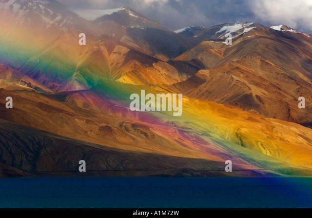 Rainbow across Lake Tso Moriri, Ladakh, India - Stock-Bilder