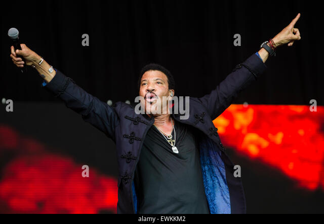 Glastonbury Festival, 28th June 2015, England UK. Lionel Richie performs live on the Pyramid stage on the final - Stock Image