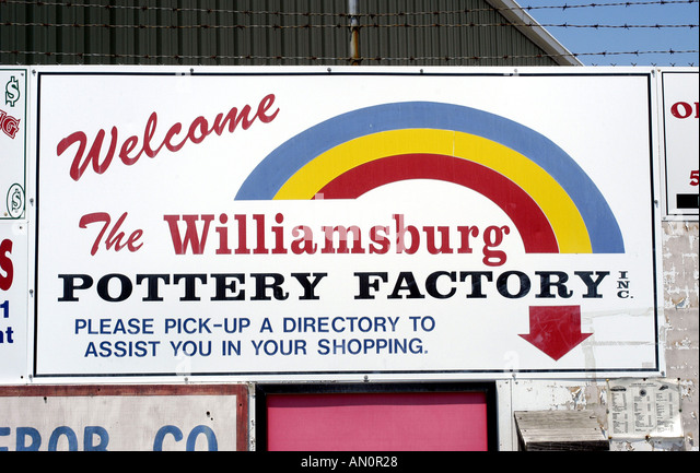williamsburg virginia pottery factory sign famous shopping destination - Stock Image