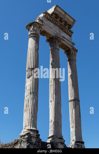 The Temple of Castor and Pollux in the Roman Forum, Rome, Italy. - Stock Image