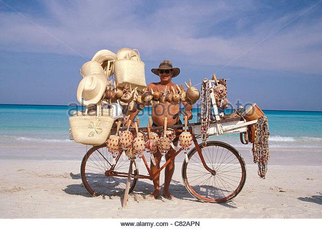 cuba-varadero-salesman-on-the-beach-c82a