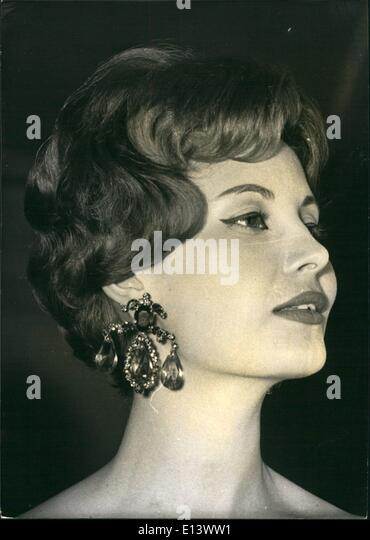 Mar. 27, 2012 - Hair Styles 1958: A Hair style show was held at Laurent's the famous champs Elysees restaurant, - Stock-Bilder
