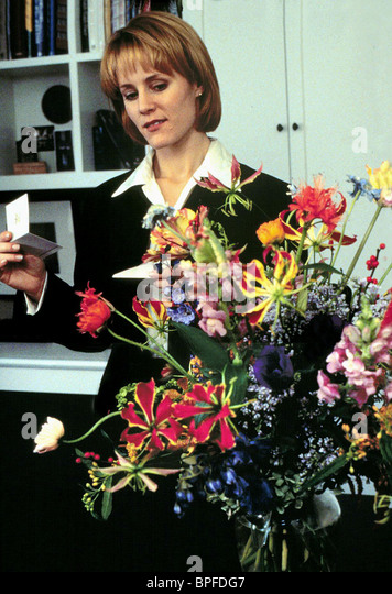 MARY STUART MASTERSON BED OF ROSES (1996) - Stock Image