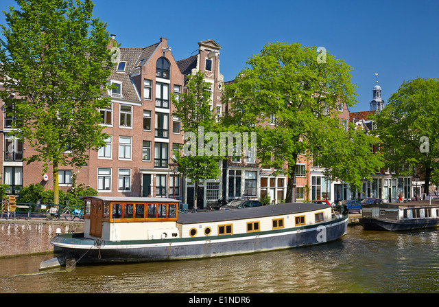 Barge amsterdam stock photos barge amsterdam stock for Houseboat amsterdam