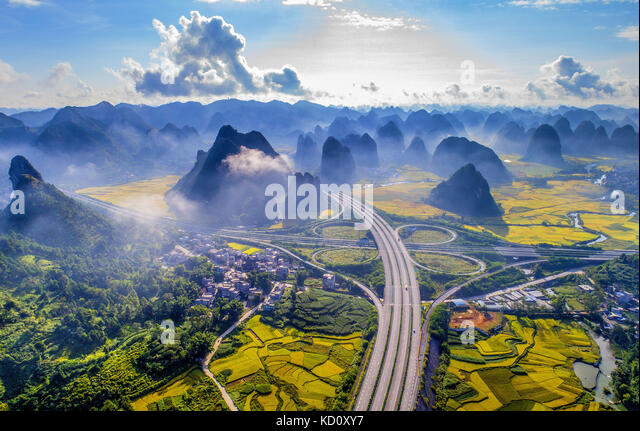 Baise, China. 8th Oct, 2017. (EDITORIAL USE ONLY. CHINA OUT).The Hepu-Napo Expressway is regarded as the most beautiful - Stock Image