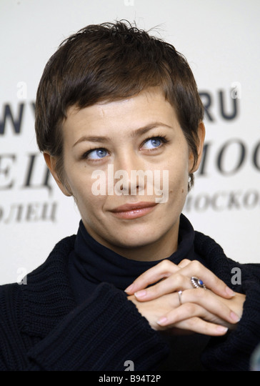 Ekaterina Volkova was noticed on the beach in Sochi with a dubious cigarette 15.06.2010
