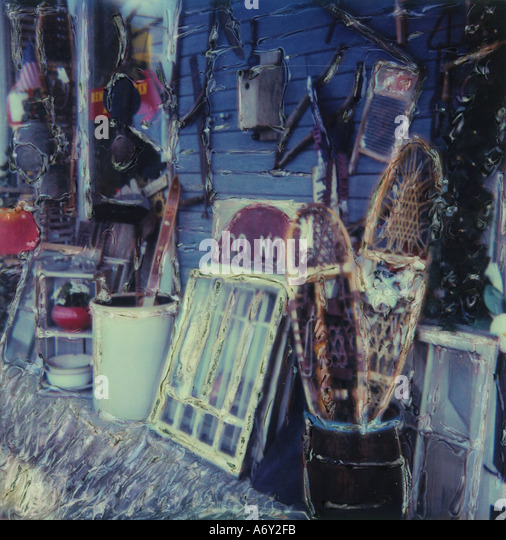 Antiques Outside Alice s Antique Shop Anchorage SC AK - Stock Image