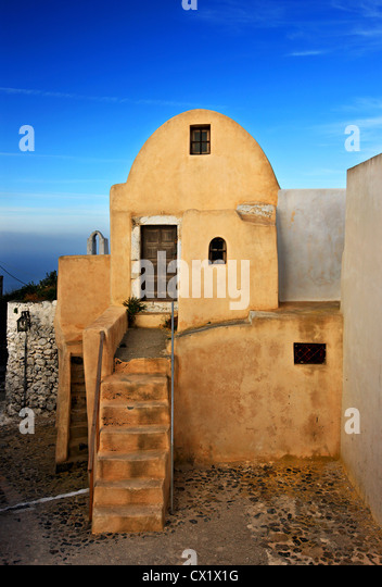 A beautiful small house, great example of Cycladian architecture, on top of Pyrgos village, Santorini island, Cyclades, - Stock Image