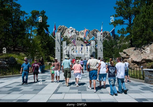 Tourists on their way to Mount Rushmore, South Dakota, USA - Stock Image