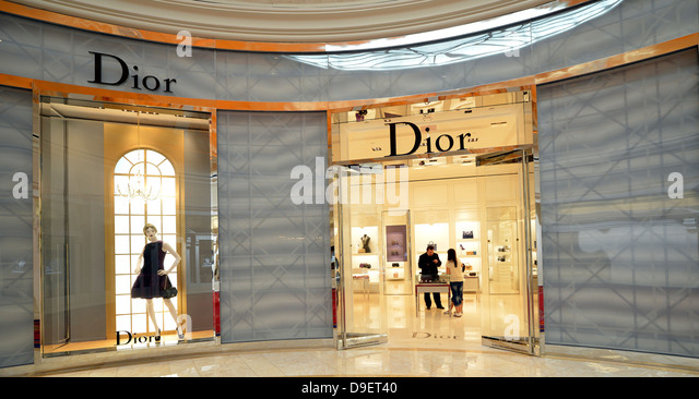 Boutique dior stock photos boutique dior stock images for Five star boutique