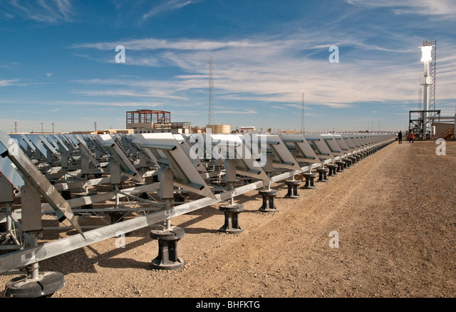 Solar thermal power facility with heliostat mirrors and tower in Southern California - Stock Image