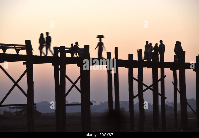 At the U Bein bridge, Amarapura near Mandalay, Myanmar, Burma, Asia - Stock-Bilder