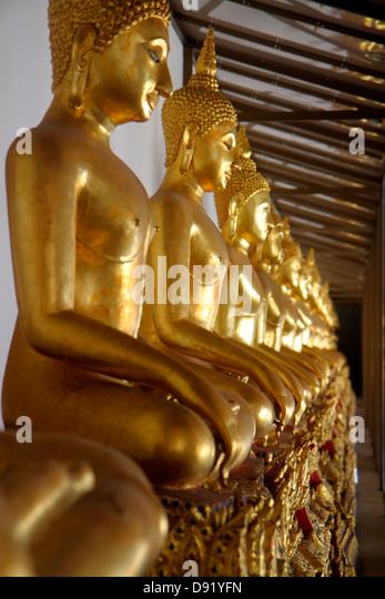 Thailand Bangkok Pom Prap Sattru Phai Wat Saket Ratcha Wora Maha Wihan Buddhist temple shrine - Stock Image