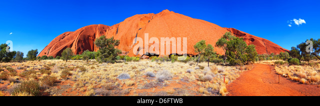 landscape landscapes outback Australian pano panorama panoramic Uluru Ayers Rock in the Northern Territory Central - Stock-Bilder