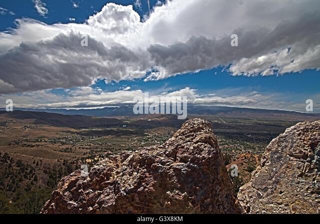 cloudy-blue-skyline-of-mt-rose-reno-neva
