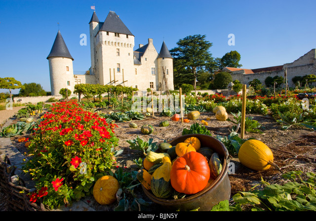 Rivau Castle and gardens, Loire Valley, France, UNESCO World Heritage Site, built 15th Century - Stock-Bilder